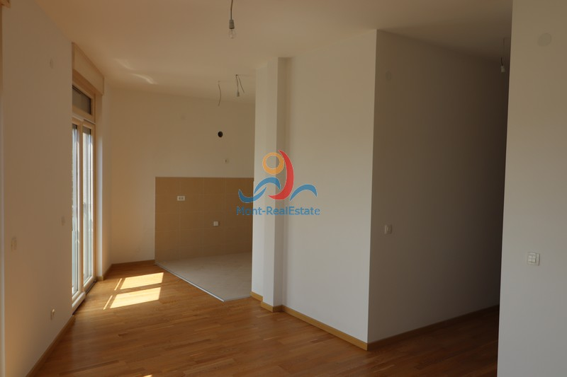 1568976928-Image_Prodaja_Stanova_Budva_Becici_Stan_Apartment_Sale_Montenegro_flat_квартиры_продажу_Будве_Черногория02.JPG
