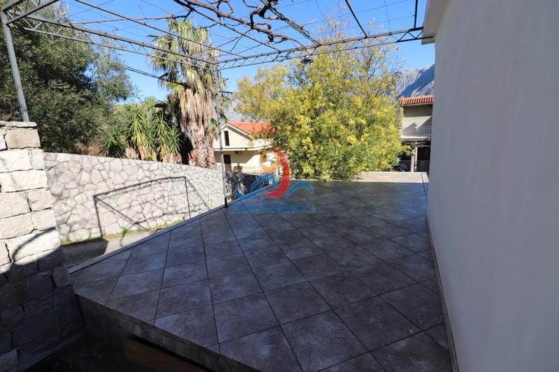 1583146215-Image_Sale_House_land_Montenegro_Kotor_Prcanj_Sea_view_Adriatic_Sea_Apartment_Realestate_Mont_Real_Budva025.JPG