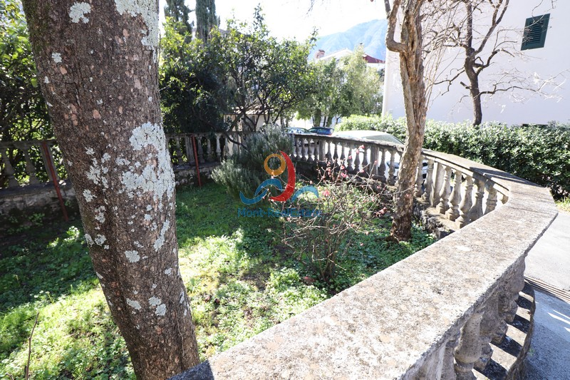 1583229461-Image_Sale_House_land_Montenegro_Kotor_Dobrota_Sea_view_Adriatic_Sea_Apartment_Realestate_Mont_Real_Budva003.JPG